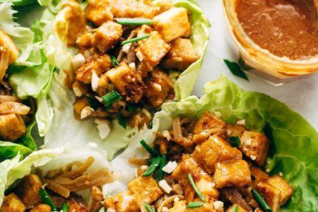 Рецепт постного салата с жареным сыром тофу фото