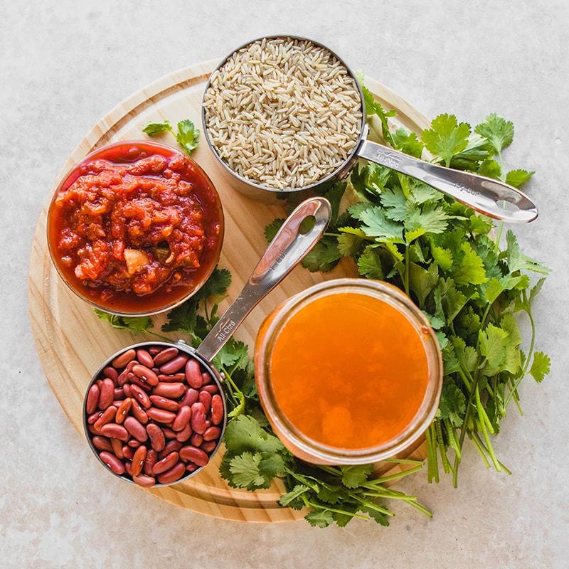 Ингредиенты для рецепта бурый рис с красной фасолью