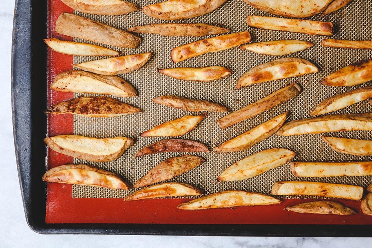 Рецепт картофеля по-деревенски в духовке пошагово