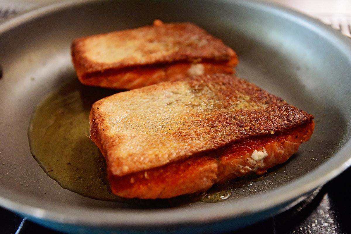 Лосось в медово-соевом соусе