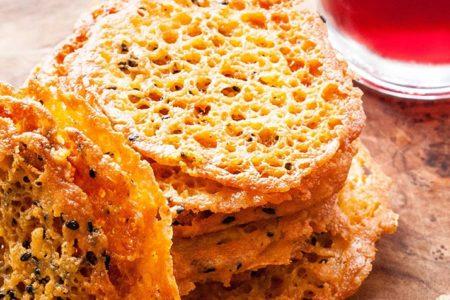 Сырные чипсы фото