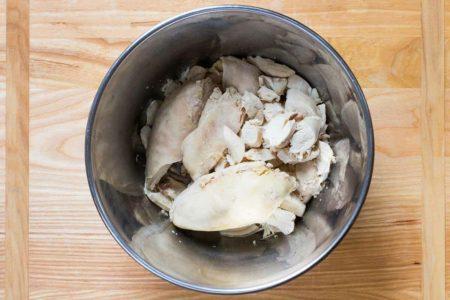Фото нарезанной курицы для салата