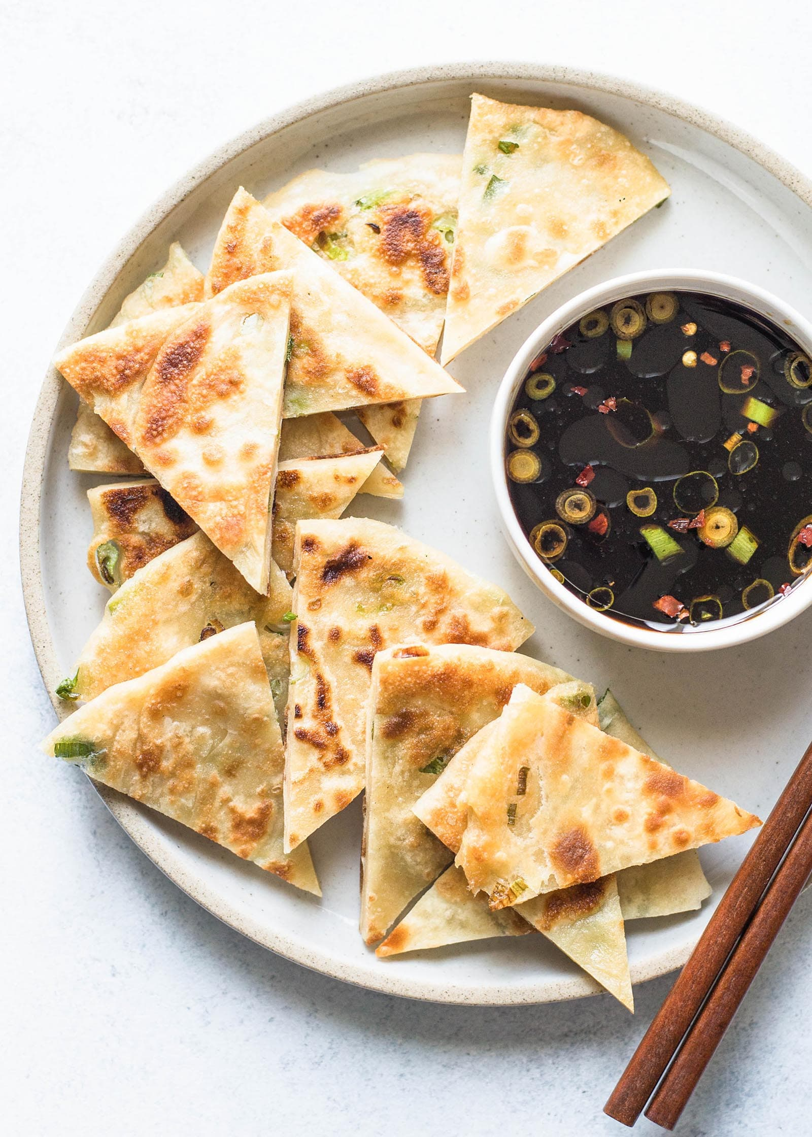 Китайские лепешки с зеленым луком