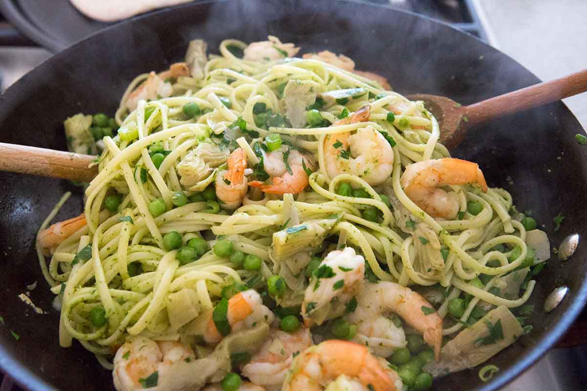 Итальянская паста с креветками фото