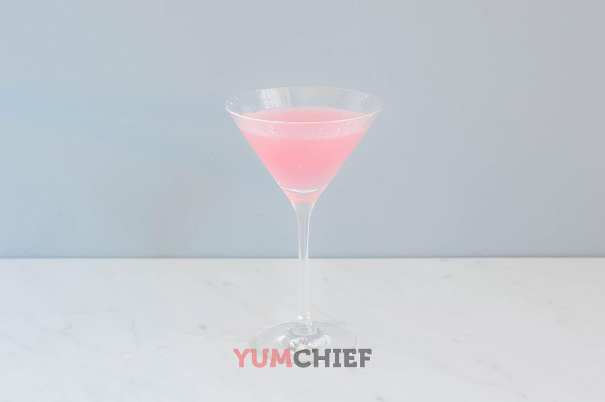 Пошаговый рецепт приготовления коктейля Космополитен с фото