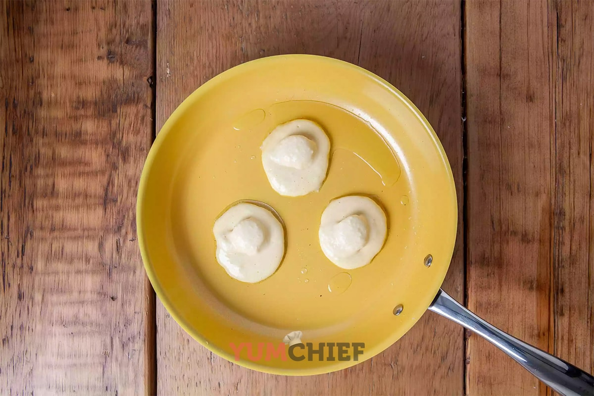 Приготовление панкейков с бананом