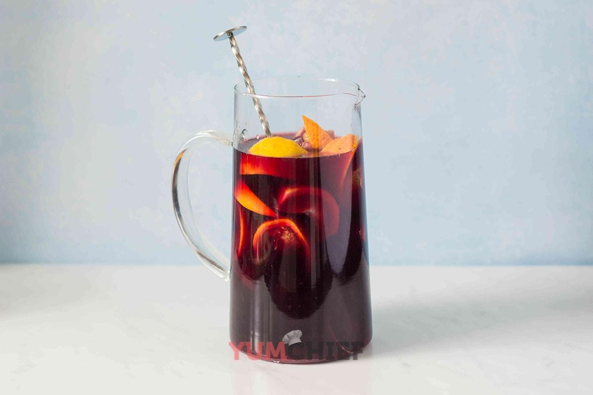 Рецепт красной сангрии с мармеладом - фото