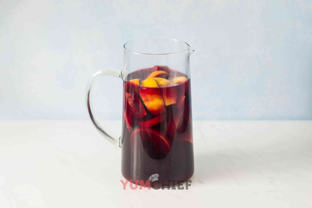 Красная сангрия - фото
