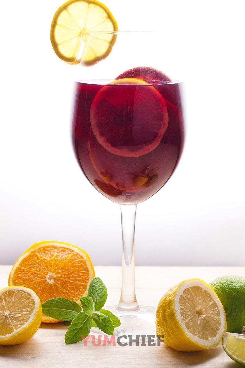Классическая сангрия из красного вина