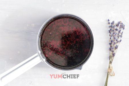 Фотография приготовления лавандового сиропа