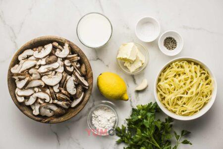 Ингредиенты для грибного соуса к пасте