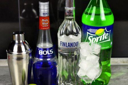Ингредиенты для коктейля Голубая лагуна